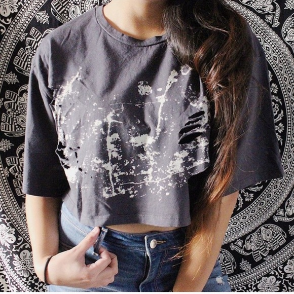Tops - SMALL - LARGE AVAILABLE ! Ripple Effect Crop Top
